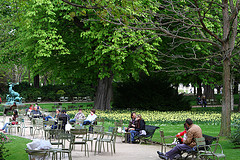 Jardin du Luxembourg by Chris Waits is licensed under Creative Commons Attribution 2.0 Generic (CC BY 2.0)