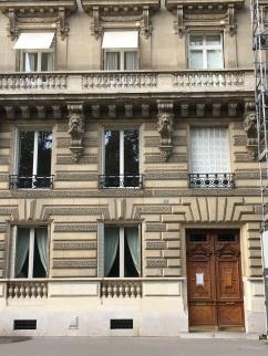 Chez Belleau...n'est-ce pas ? Mais, ce n'est pas 18 Rue de Vaugirard...c'est 32 Rue Guynemer !